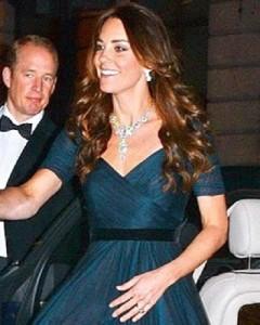 Princess_Kate_Middleton_arrive_at_the_Portrait_Gala_2014-02-11_crop