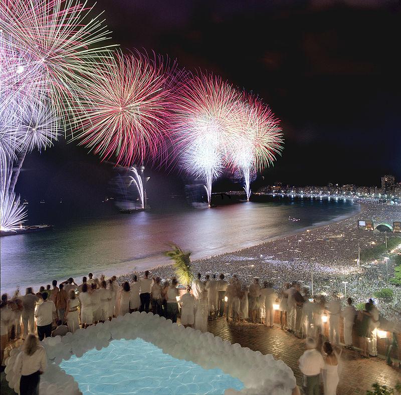 800px-Rio_New_Year_Fireworks