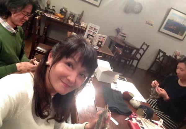 60編み物諏訪さん